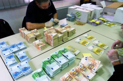 Buying euros at the right time can make a big difference