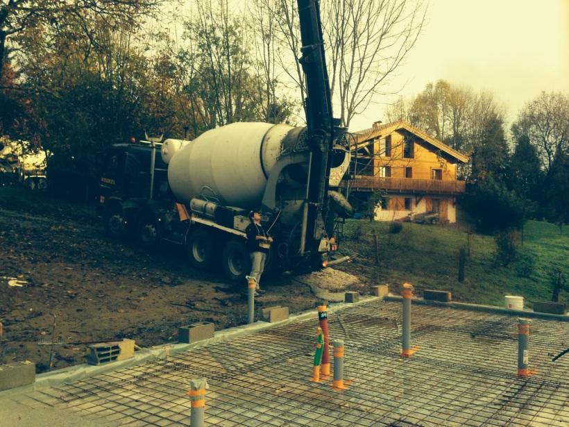 LaFarge truck arrives on site